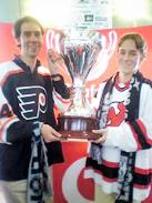 Stefan und Fabian mit dem DEL-Pokal 2004